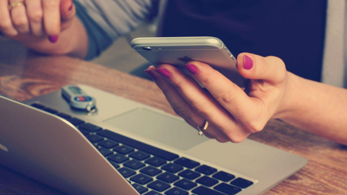 Postările pe facebook care iți pot aduce imediat concedierea